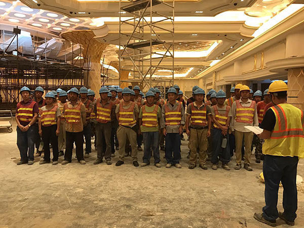 92名中国民工被欠薪受困塞班岛 华裔中介扣钱逃匿